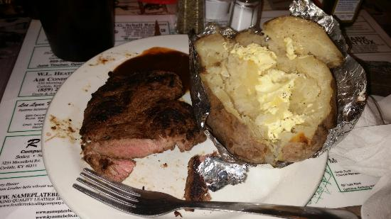 Carlisle, Κεντάκι: Petition filet with a baked potato