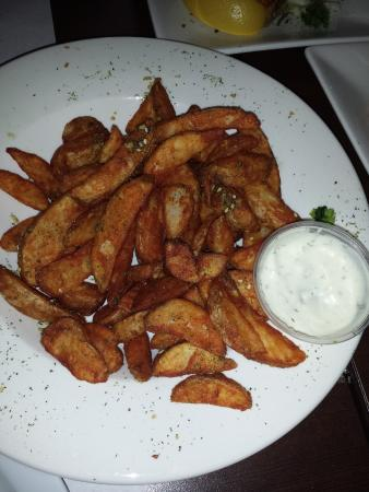 Longueuil, Canada: potato wedges mmm