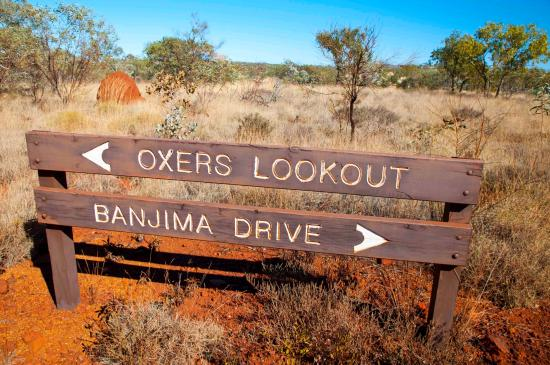 Karijini National Park, ออสเตรเลีย: Sign towards the lookout