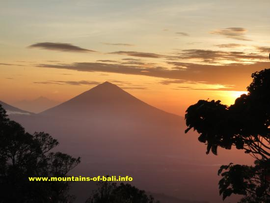 Mount Agung Gunung Agung View From Top Of Gunung Tapak