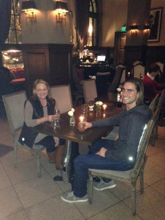 Culver City, Kalifornia: Wonderful ambiance in the Culver Hotel Bar