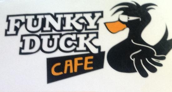 Whanganui, Selandia Baru: Duck in for great food and coffee