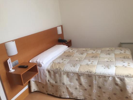Bilbao Jardines Hotel: ベッド