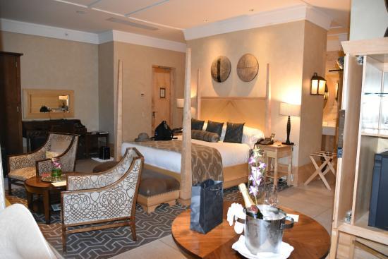 Sandton, Νότια Αφρική: Executive Luxury Room @ Saxon Hotel