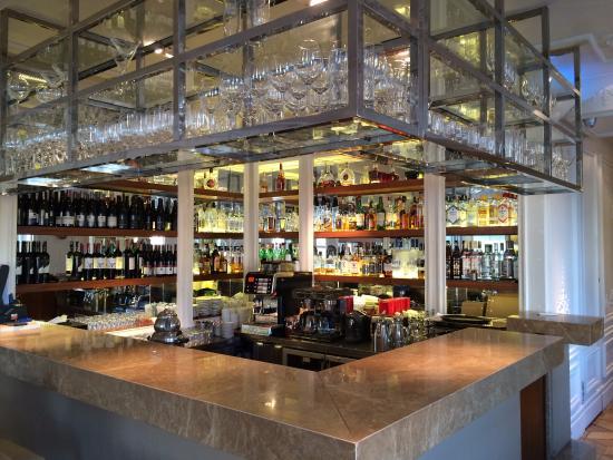 The House Hotel Bosphorus: Bar kısmı