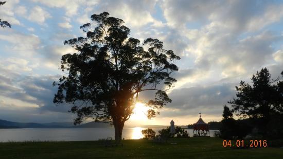 Sedgefield, Sør-Afrika: Sunrise over Swartvlei Lake