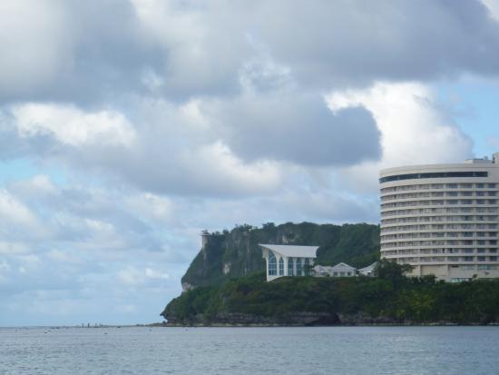 恋人岬, タモン湾から見る