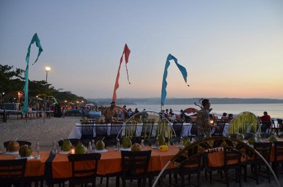 Jimbaran, Indonesia: Dinner by the Bay