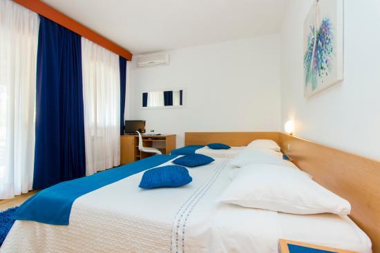 Brodarica, Kroatien: triple room