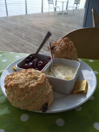 Wellingborough, UK: Yummy scones