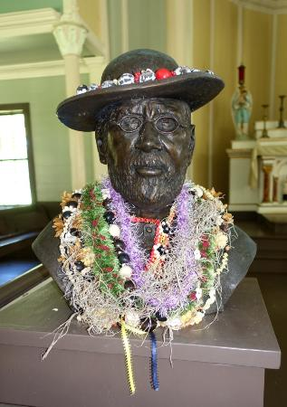 Kaunakakai, HI: What a great experience to learn about the work of a Saint, Father Damien. Thanks Clare.