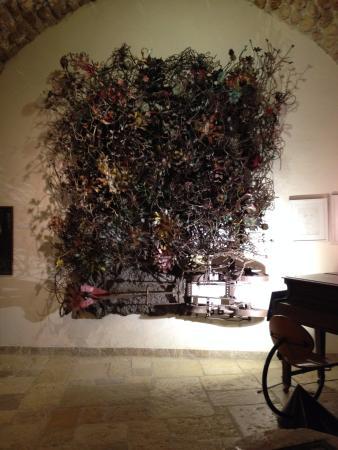 Ilana Goor Residence and Museum : iron made sculpture