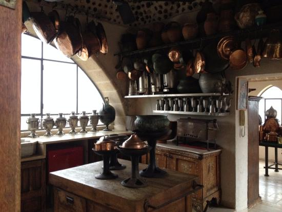 Ilana Goor Residence and Museum : detail from the old kitchen