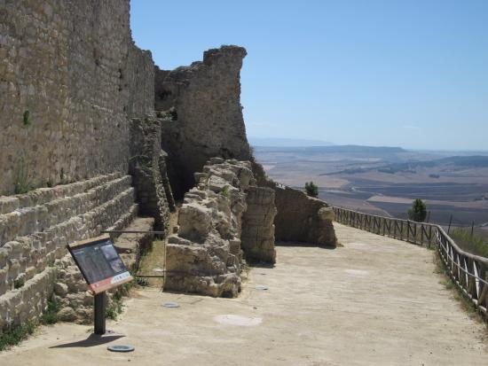 Medina-Sidonia, Spanyol: Views, ancient walls and excellent signage