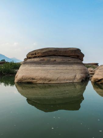 El río que atraviesa la ciudad de Champasak (Laos), ofrece rincones preciosos.