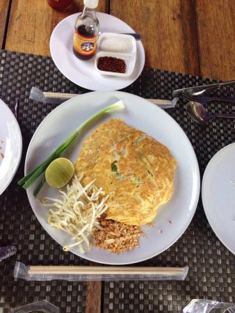 a nuestro juicio la mejor comida tailandesa de la isla, económico,de gran calidad y con un excelente servicio