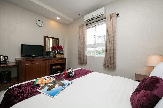 Quy Hung Hotel : SUPERIOR DOUBLE WITH WINDOW