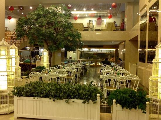 restaurant picture of garden palace hotel surabaya tripadvisor rh tripadvisor co za