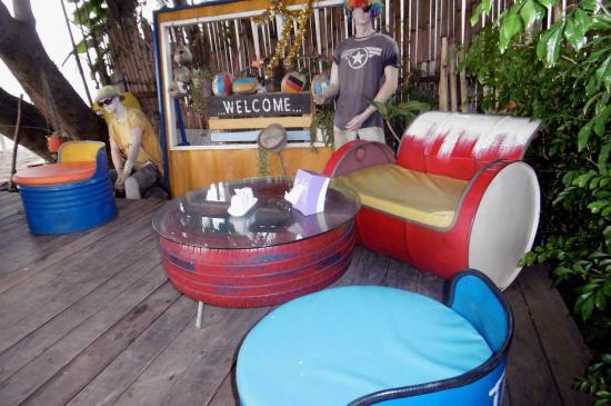 Lipa Noi, Tailândia: Amusant