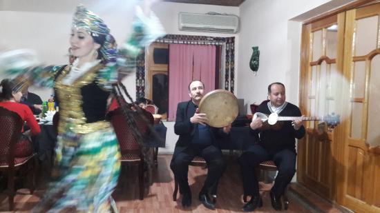 Dolon: Traditional dances from main provinces of Uzbekistan