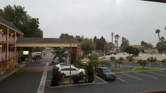 Days Inn & Suites Fountain Valley/Huntington Beach: 20150826_152916_large.jpg