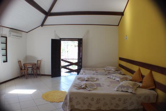 Posada Flor de Paraty: Suite ampla, cama king, Tv Led, Ar Slipt, varanda, Capacidade ate 6 pessoas confortavelmente