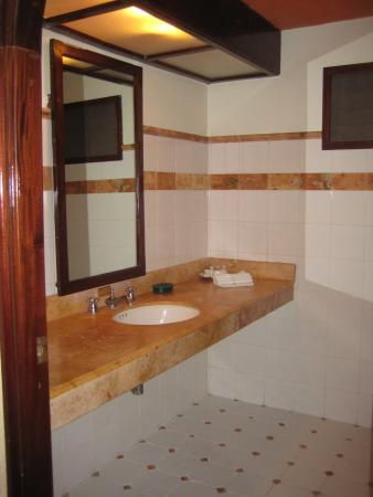 large bathroom limited furniture picture of hotel chichen itza rh tripadvisor co uk