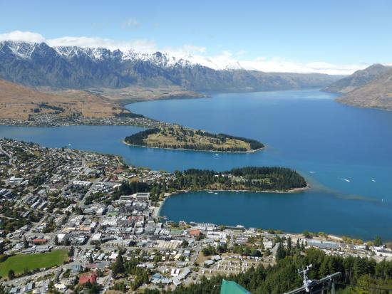 Copthorne Hotel & Apartments Queenstown Lakeview: View from the peak above Queenstown
