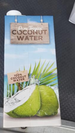 Living Valley Springs Health Retreat: Gary brought lovely coconut water for after our beach walk
