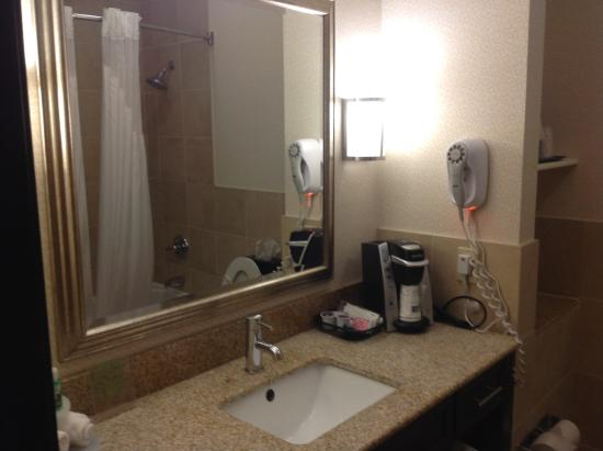 Holiday Inn Express Hotel & Suites Franklin : Clean bathrooms