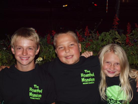 Mackinaw Manor Haunted House: They gave us free shirts!! So kind!