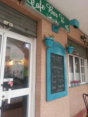 Iznajar, Hiszpania: Bar verde