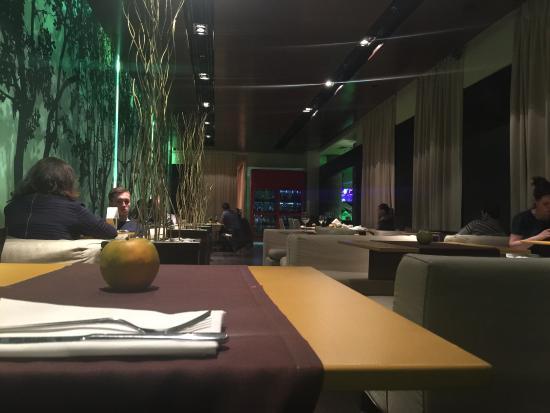 Apple Bar and Restaurant: photo0.jpg