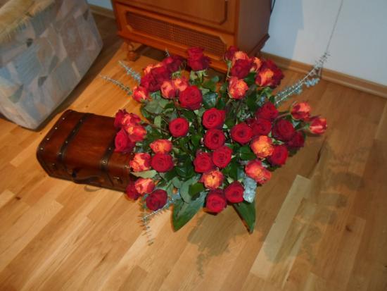 """Nahrendorf, Germany: Besuchen sie die """"Roten Rosen"""" in Lüneburg"""