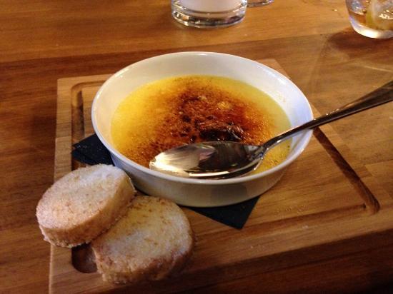 Isleworth, UK: Creme Brulee