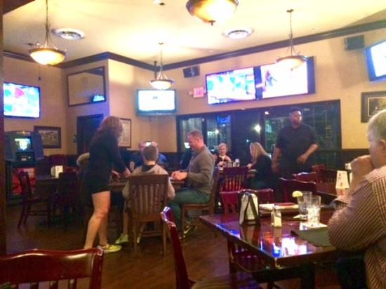 Cypress, TX: Nice interior, neighborhood feel