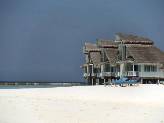 Lagoon Beach Bungalows Cinnamon Island Maldives