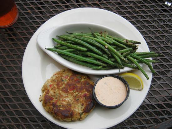 Reel Cafe: Best crab cakes with garlicky beans