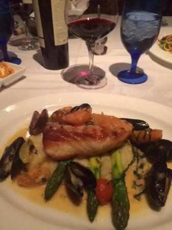 Jensen Beach, FL: Sea Bass special with clams