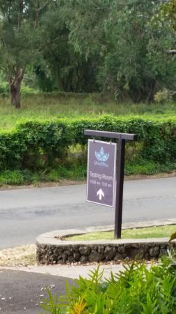 Kula, Hawaje: Roadside signage