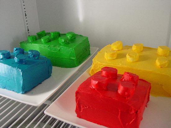 La Ventana: Custom ordered Lego cake for a birthday party!