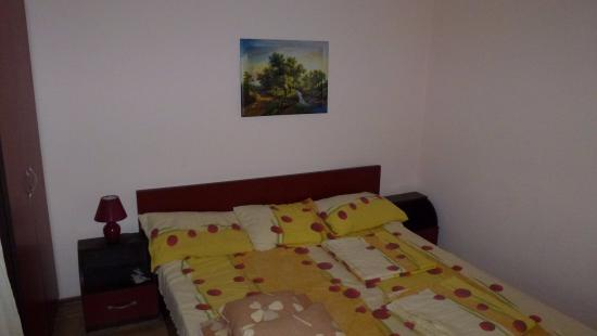 Vromos Guest House