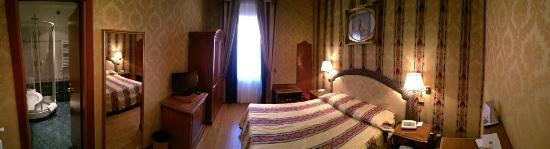 Hotel Raffaello: image-586534b3c27e0b61e1405c4b4264f795a60e7d0de175d45492286346af2fcb9b-V_large.jpg