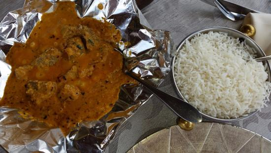 Geet Indian Restaurant : Tak-Taka Andhra Madras with Lamb and coconut base, served with basmati rice.