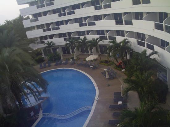 Aparthotel Torres de Alba: PISCINA DEL HOTEL CARIBBEAN BEACK DE LA ISLA DE MARGARITA.. VENEZUELA