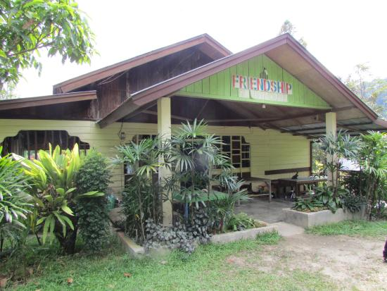 Friendship Guesthouse & Restaurant