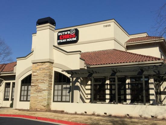 Alpharetta, GA: Front of Ruth's Chris Restaurant