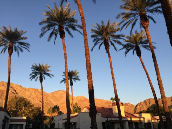 La Quinta, CA: The view from the front door of our villa