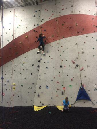 Glendale Heights, IL: Climbing with an auto belay