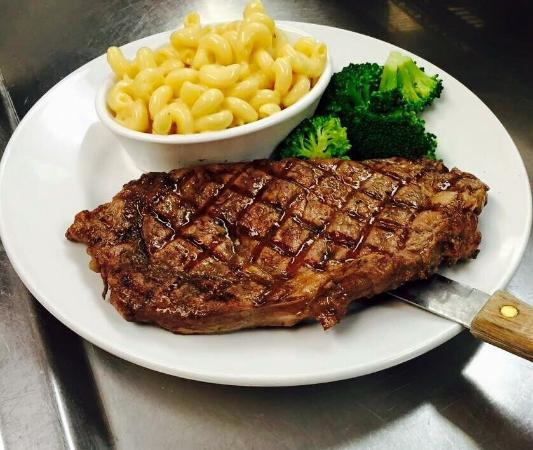 Williston, Kuzey Dakota: Outlaws' Bar and Grill